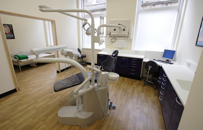 huddersfield dentist job
